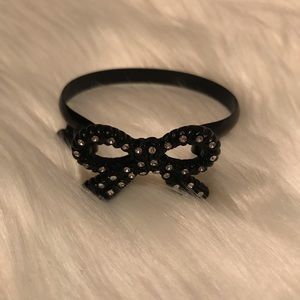 Betsey Johnson black bow bangle bracelet